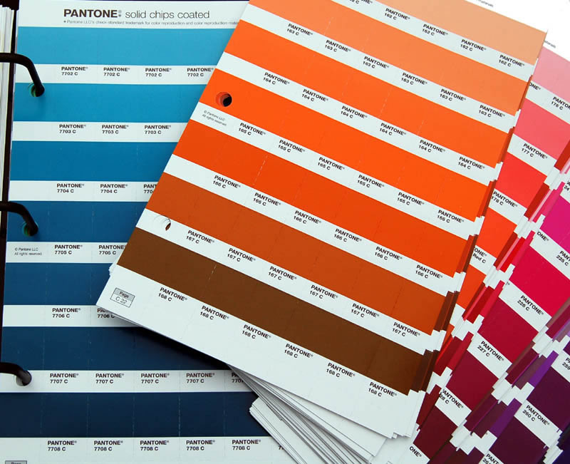 Favoloso Pantone Plus Solid Chips Book Coated Uncoated Set GP1303 GH74